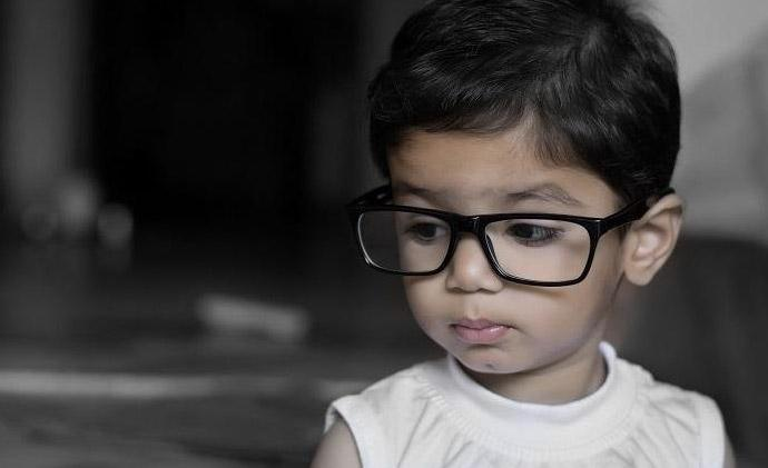 10 simple but effective eye exercises for kids to improve their vision (with illustrations)