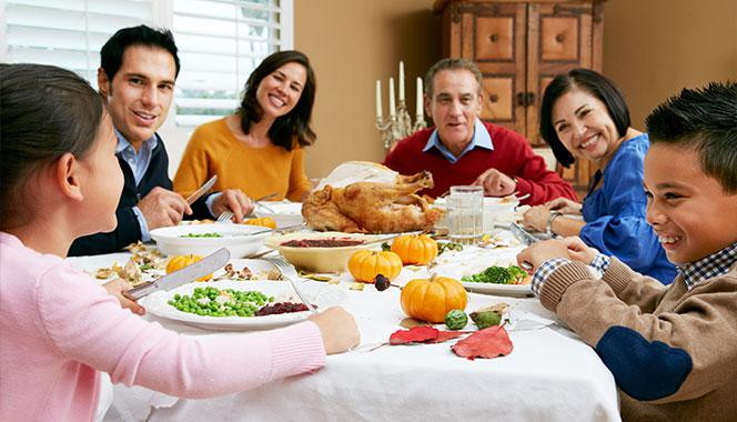 Family dinner is more than just eating together. Here are 8 reasons to make family dinner a tradition