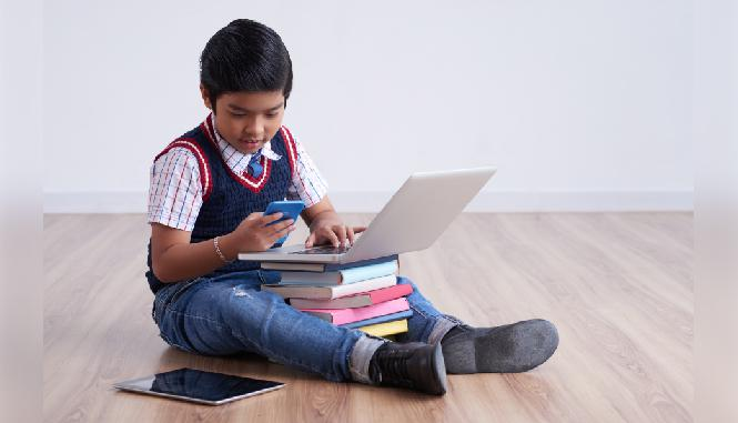How Parents Can Effectively Balance Excess Gadget Use In Kids With Other Activities